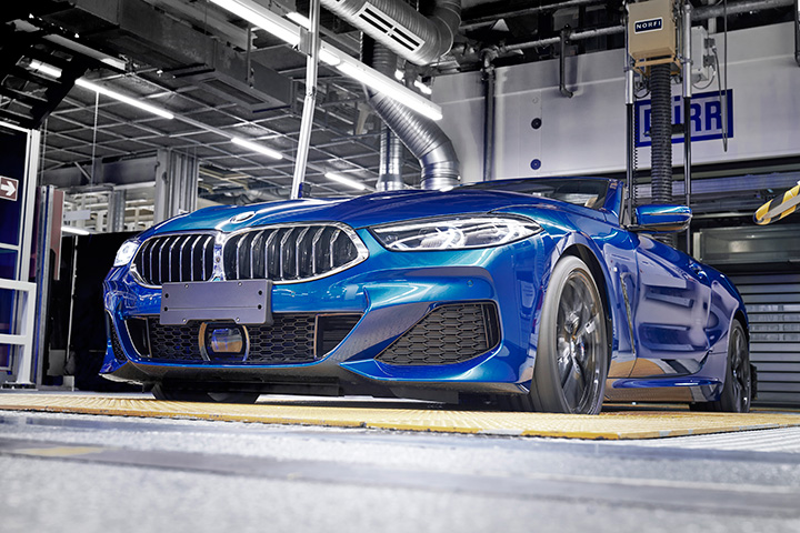 2f28db33d0 2019 márciusában a klasszikus vászontetővel szerelt, négyüléses luxusautó a  BMW 8-as sorozat második képviselőjeként érkezik meg az utakra.