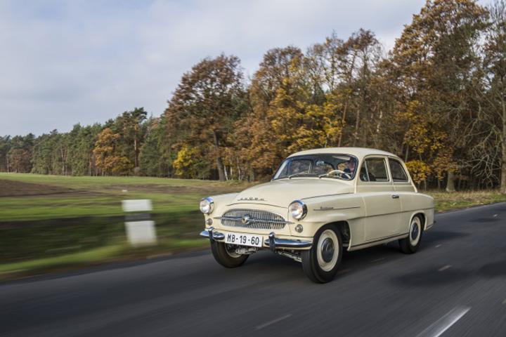 A ŠKODA OCTAVIA a gyártás beindításának 60. évfordulóját ünnepli. E  legendás modellből az első példányok 1959 januárjában gördültek le a Mlada  Boleslav-i ... 83c4cada9c